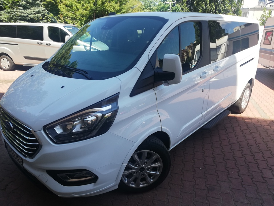 2x ford Tourneo Custom